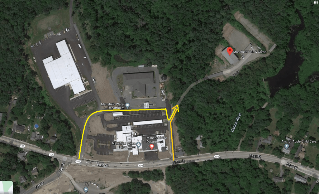 Aerial view of the club area, with yellow arrows showing the two ways to access the club entrance through the Mansfield Municipal Complex